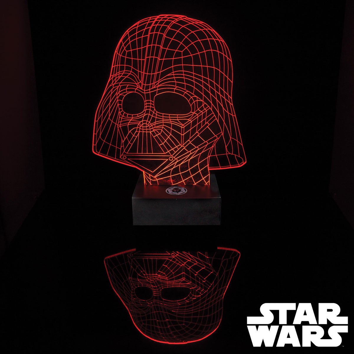 une lampe star wars dark vador holographique acrylique. Black Bedroom Furniture Sets. Home Design Ideas