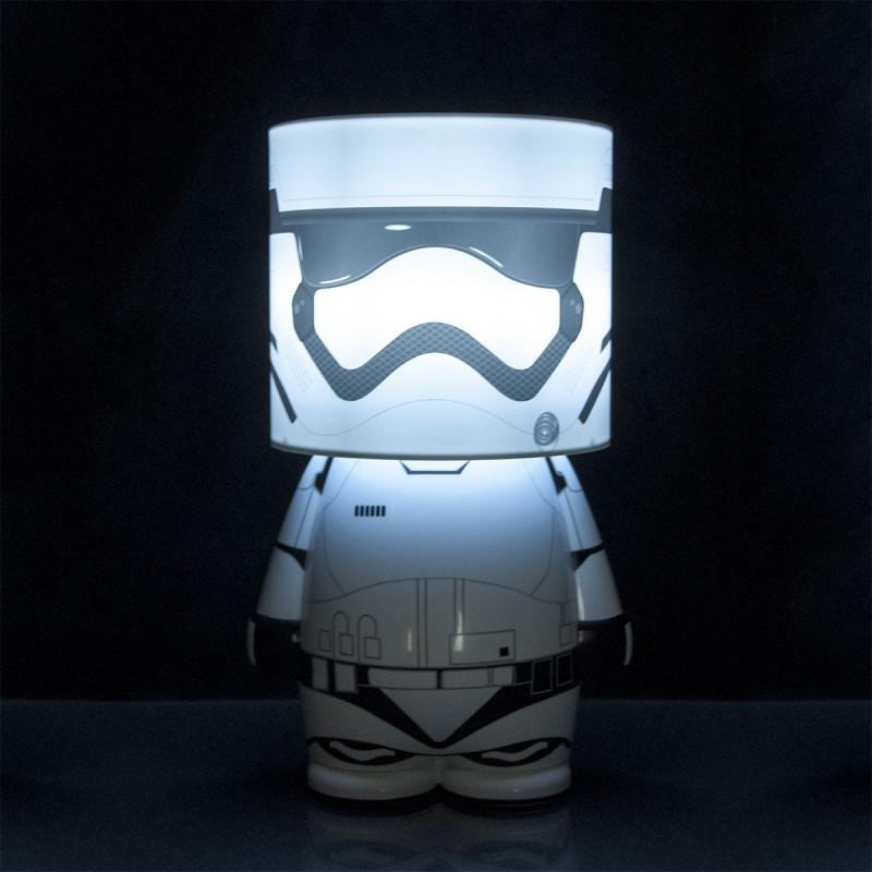 lampe star wars design en forme de stormtrooper du premier. Black Bedroom Furniture Sets. Home Design Ideas