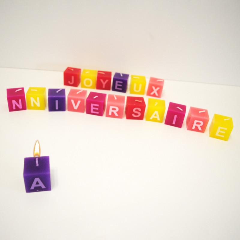 Panier Cadeau Anniversaire : Bougies carr?es joyeux anniversaire achat cadeau