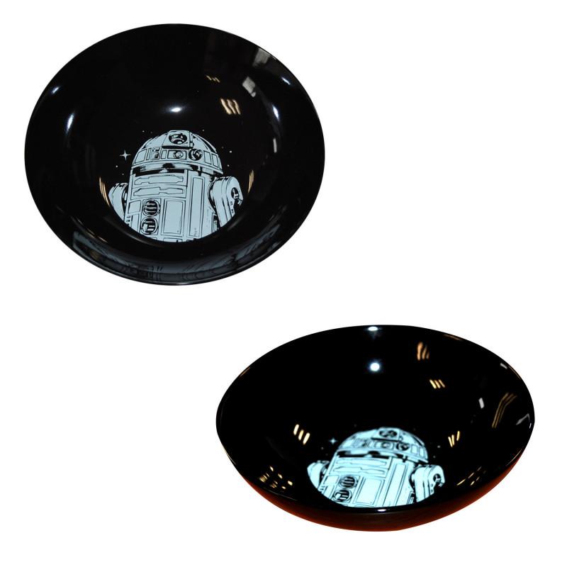 service vaisselle star wars compos de 16 pi ces noires et blanches sur rapid cadeau. Black Bedroom Furniture Sets. Home Design Ideas