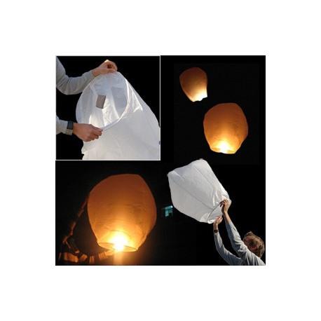 Lors d'une soirée romantique ou entre amis, prévoyez quelques lanternes volantes à lâcher dans les airs ! Succès et résultats garantis auprès des invités...