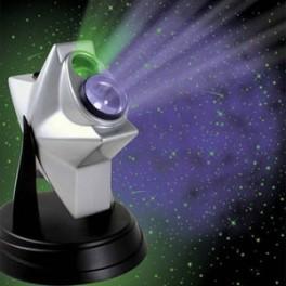 La tête dans les étoiles, évadez-vous avec ce projecteur de ciel nocturne ! Relaxant et dépaysant, le Laser Stars va vous emporter dans une dimension où le stress n'existe pas !