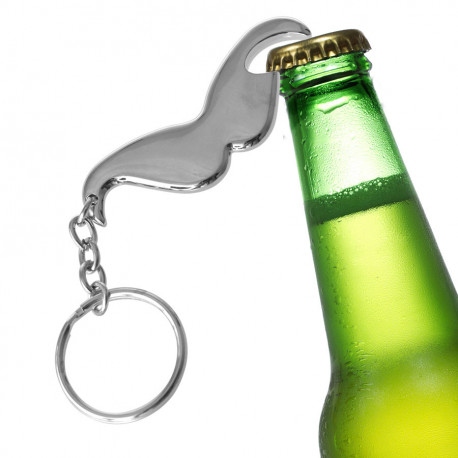 Un porte-clés décapsuleur au design original et fonctionnel en forme de... moustache ! Il est un cadeau pour les fans de bière qui aiment les gadgets pratiques mais insolites !
