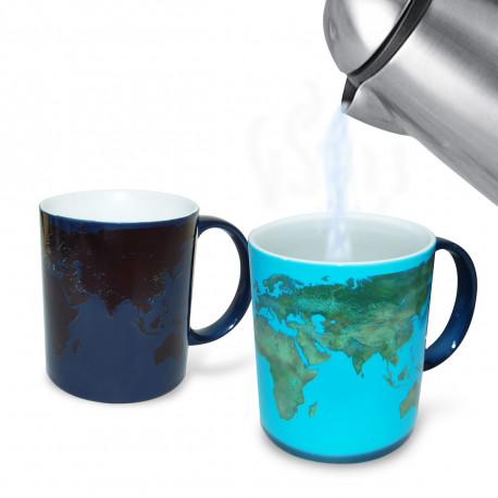 A l'aide de son revêtement sensible à la chaleur, l'imagerie satellite détaillée de ce mug va se modifier sous vos yeux