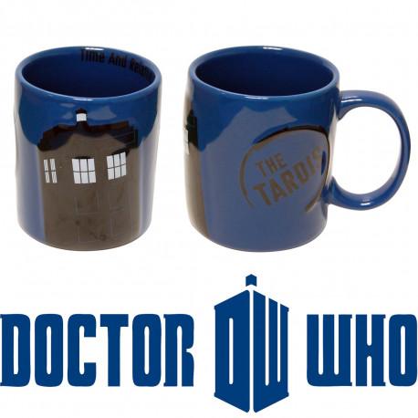 un mug tardis en relief 2d : cette idée cadeau geek est faite pour les addicts à la série doctor who