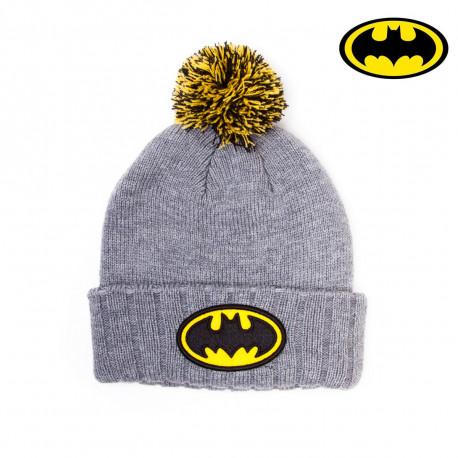 Arpentez les rues de Gotham City avec votre bonnet Batman... Avec son pompon coloré, vous aurez un look de super-héros pour affronter le froid ! So geek...