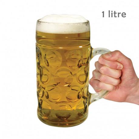 chope bière de 1 litre,les amateurs de bière vont être fiers de posséder cette maxi chope en verre d'une capacité d'un litre !