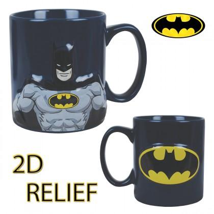 Le mug Batman en relief… une tasse originale qui ne manque pas de pep's ! Le justicier masqué débarque dans votre cuisine sur ce mug en céramique en deux dimensions totalement geek !