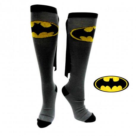 une paire de chaussettes hautes de super-héros à l'effigie de batman,avec cape intégrée