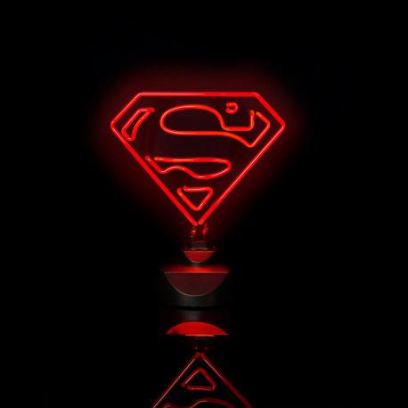 la lampe néon superman,un cadeau lumineux et design pour les amateurs geeks de super-héros