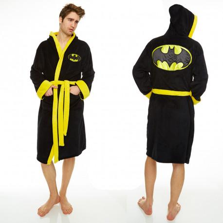 Vous souhaitez avoir un total look de super-héros lorsque vous sortez de la douche ? Adoptez ce peignoir Batman pour de bons moments cocooning en assumant votre côté geek-addict !