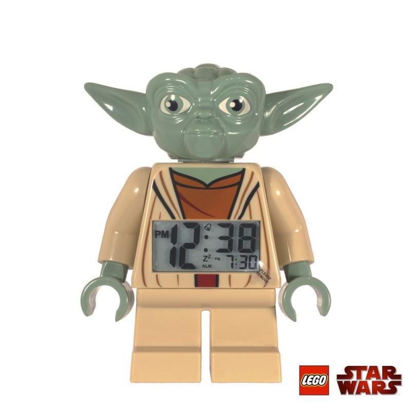 ce réveil lego yoda star wars est une idée cadeau parfaite pour les geeks amateurs d'objets utiles et insolites