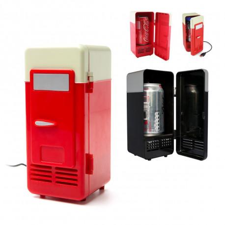 Voilà la solution pour rafraîchir votre canette lorsque vous travaillez sur l'ordinateur : le frigo Usb ! En mode rouge ou noir, il sera un cadeau idéal comme gadget usb pour les geeks qui aiment boire bien frais !