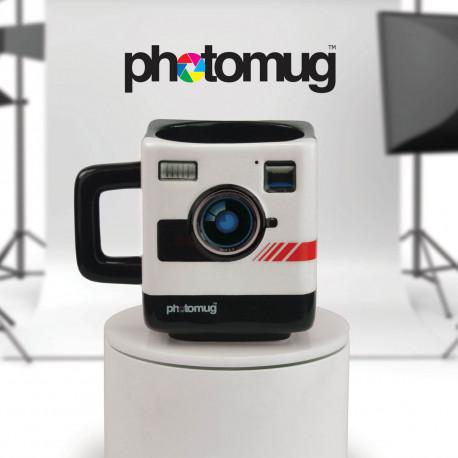 Design vintage, lignes carrées et originalité sans borne, ce mug Polaroid va satisfaire les éternels nostalgiques ! Il est le cadeau parfait pour tout amateur de photographie…