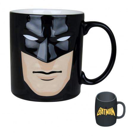 Le mug masque Batman en relief… un cadeau original qui ne manque pas de pep's ! Le justicier masqué débarque dans votre cuisine avec ce mug en céramique en deux dimensions totalement geek !