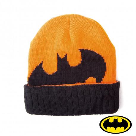 Arpentez les rues de Gotham City avec votre bonnet Batman coloré et son logo chauve-souris… Vous aurez ainsi un look de super-héros pour affronter le froid ! So geek…