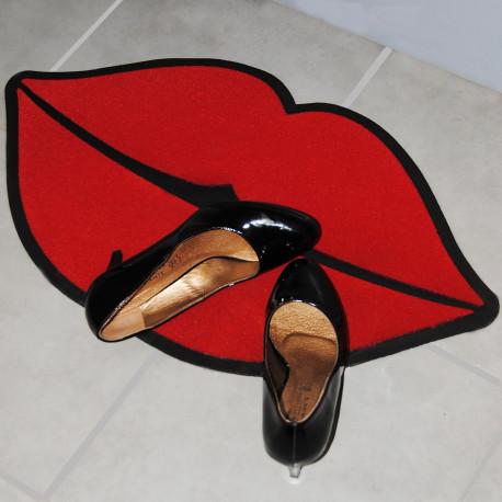 Paillasson en forme de lèvres rouges pulpeuses